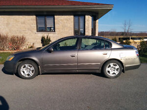 2003 Nissan Altima Sedan - NEGOTIABLE!