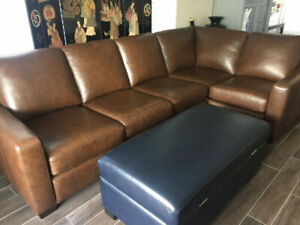 "Sectional contemporary Italian Leather Sofa (114"" x 68"")"