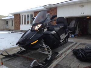 very low mileage skidoo with Trition trailer