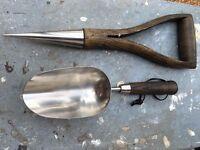 Dibber & Scoop Spade Wooden Handle ideal gift for a gardener