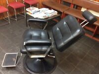 BARBER CHAIR BLACK LEATHER GOOD CONDITION UNISEX