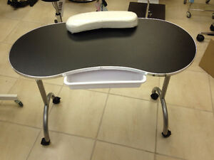 Table de manucure portative  /Portable manicure table