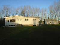 Acreage living within commuting distance to Wainwright, Lloyd!