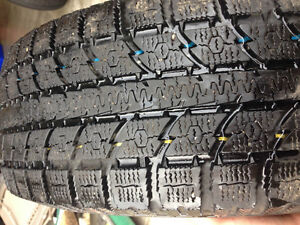 Winter Tires Toyo Observe GSi-5 Winters 235/65/R17