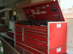 Snap-on tool box topper