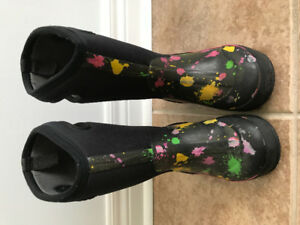 Bogs girls winter boots size 13 US
