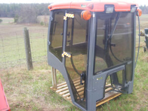 KUBOTA B7800 LAURIN CAB STEEL/GLASS DOORS