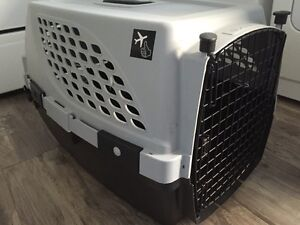 Dog cage/crate flight approved