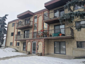NAITKingswayMall/Dec. Half/1-bedroom/in suite laundry@10917 109s
