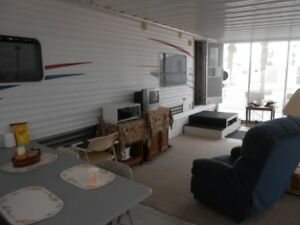 Trailer with slideout/Arizona room for sale