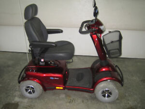 Invicare (Canada) Meteor - Mobility Scooter