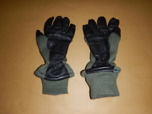 New ex US airforce insulated gloves