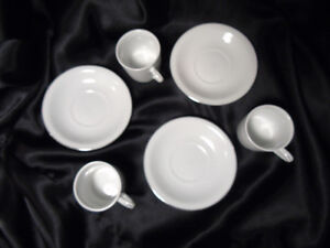 England China Tea Pot Etc for a Young Lady Peterborough Peterborough Area image 9