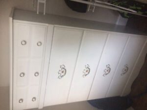 6-drawer dresser, tall boy dresser, two night stands for sale