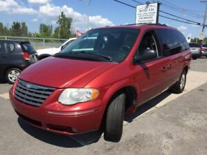 Chrysler Town - Country 4dr Touring FWD 2005