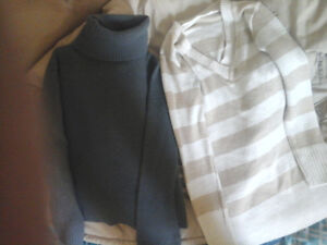 Size S ..A Lot Of Shirts .. 3 Long Sleeve Shirts And 1 Tube Top