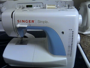 Like new singer sewing machine...
