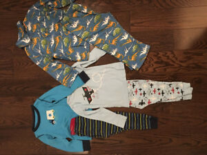 2T boys clothing and pjs  in great condition! Price for the LOT