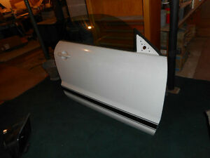 05-09 Mustang RH door, RH mirror, scoops, spoiler, other parts