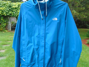 imperméable North Face / chandail laine  Dale of Norway/ blouse