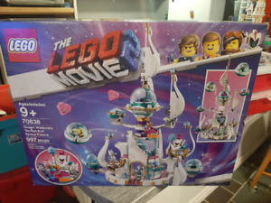 NEW Lego Queen Watevra's Palace - Lego Movie 2