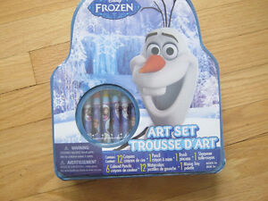 New Disney Frozen Themed Small Art Set With Activity Book.