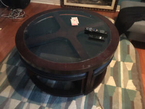 Coffee table with four chairs
