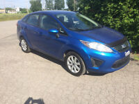 2011 Ford Fiesta SE bien entretenue Berline