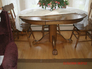 table &chairs dining room..& 2 small desks w/chairs, other items