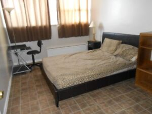 1 Bedroom to Rent in Apt. Building