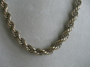 UNUSUAL OLD VINTAGE TWISTED-ROPE-STYLE GOLDTONE NECKLACE