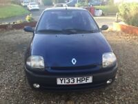 Renault Clio 1.4 5 door 2001 met blue long mot and very low mileage service records