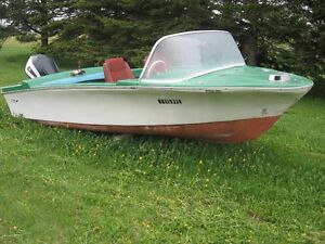 1960s speed boat