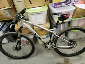 Fully upgraded shimano XT 29er norco storm $1,000