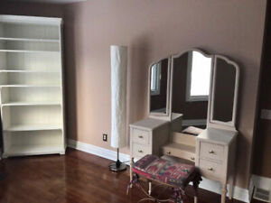 Room for rent looking for professional woman as roommate