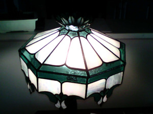 Desk top stain glass lamp shade