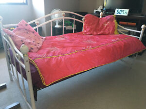 Girls Day Bed