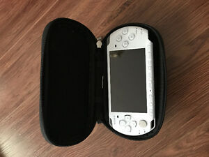 Sony PSP, pearl white, case and Mod Nation Racers