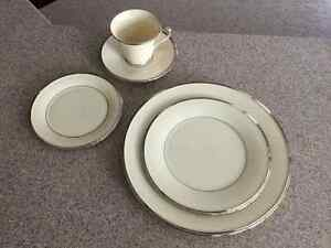 5 Piece-place setting by Lenox serving for 8, bone china OBO