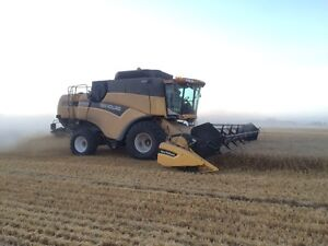 New Holland Combine CX840 Strathcona County Edmonton Area image 1