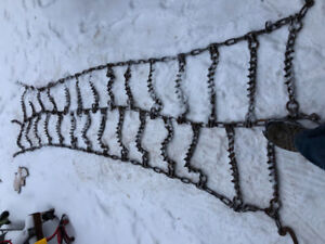 Snow chains for tractor trailer