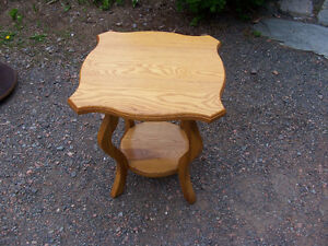 Solid Oak Side Table 18 in Tall and Top is 16 in Across