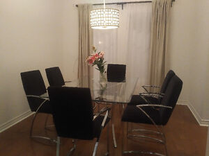 Modern Glass Dining Table with 6 Chairs Kitchener / Waterloo Kitchener Area image 3