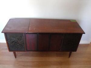 chest / table