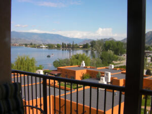 Osoyoos Lakefront Townhouse- Perfect snowbird location!