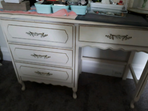 dressing table/desk with mirror