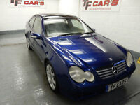 Mercedes-Benz C200 Kompressor 1.8 Auto- PANORAMIC ROOF! LOTS OF SERVICE HISTORY!