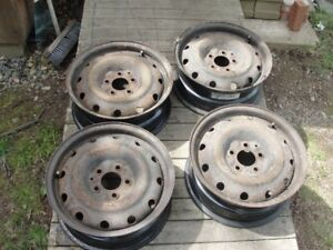 Cars and Vehicles:Auto Parts and Tires/ Tires and Rims