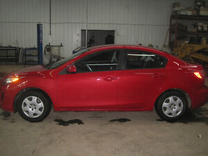2012  Mazda3 GS Sedan w/ only 81000 km's.