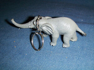 VINTAGE LARGE ELEPHANT KEYCHAIN-UNIQUE & COLLECTIBLE!